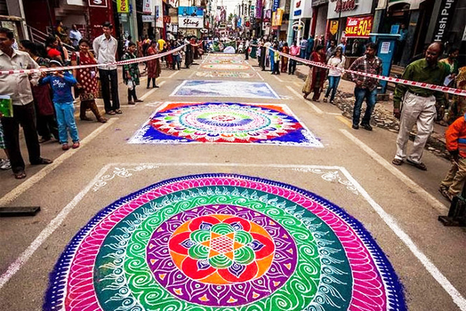 tw_rangoli-indian-art-flour-sand-2_670