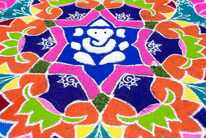 tw_rangoli-indian-art-flour-sand-6_670