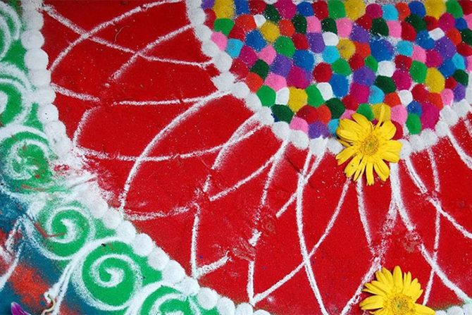 tw_rangoli-indian-art-flour-sand-7_670